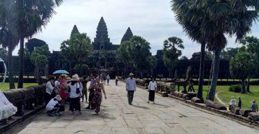 Wisatawan berkunjung ke Angkor Wat (Image: Karnadi/NTD Indonesia)