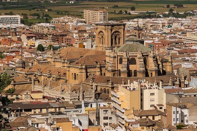 Katedral Granada dan area sekitarnya (Image: David Mark/Pixabay)