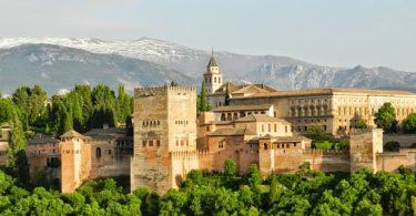 Istana Alhambra (Image: Pablo Valerio/Pixabay)