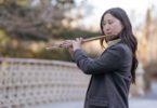 Musik tradisional kuno dikenal memiliki kemampuan untuk mengarahkan serta mendorong orang mengenal kebajikan dan mempercepat penyembuhan. (Gambar: Charles Parker via Pexels)