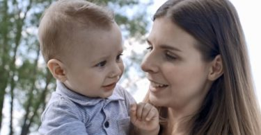 Ibu menasehati anaknya (Screenshot @Storyblocks)