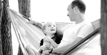 Ayah dan putranya (Ambermb @Pixabay)