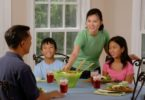 Makan bersama keluarga @Pixabay